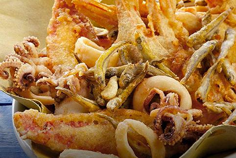 Frittura di pesce (3,90 € a porzione – 29,90 €/kg)