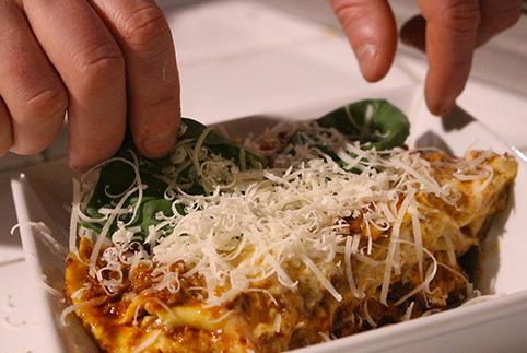 Lasagne (2,50 € a porzione – 9,55 €/kg)