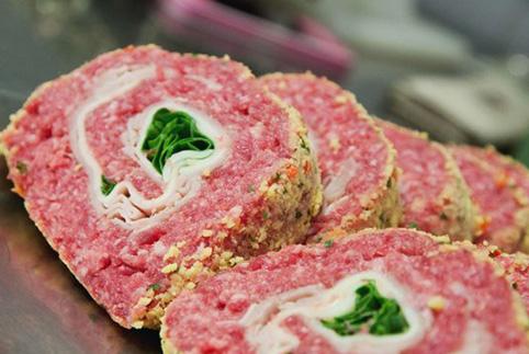Rotolo Farcito (1,90 € a porzione – 10,90 €/kg)