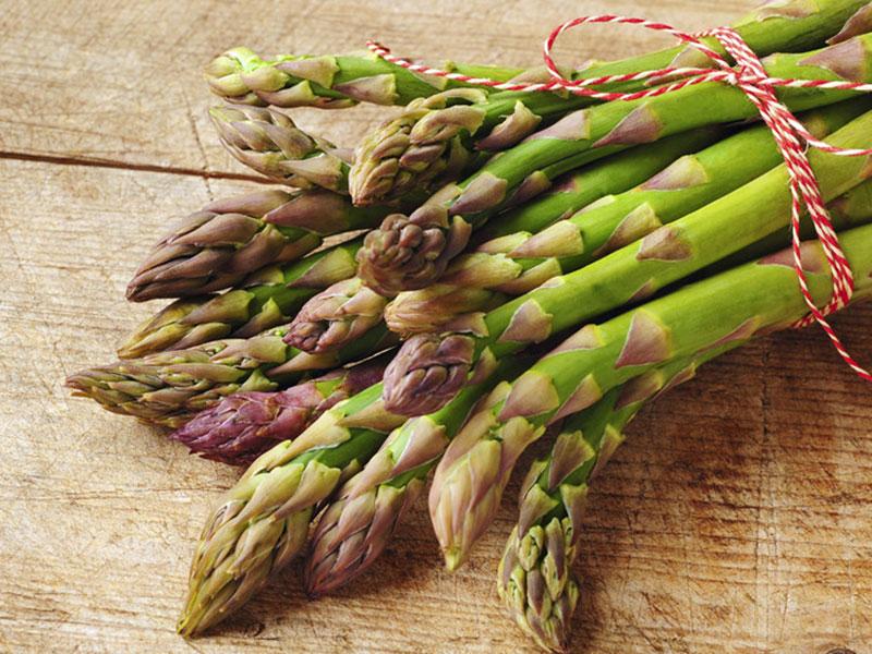 Asparagi (7,28 €/kg)